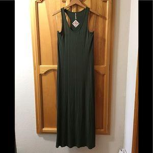 Dresses & Skirts - NWT tank top maxi dress